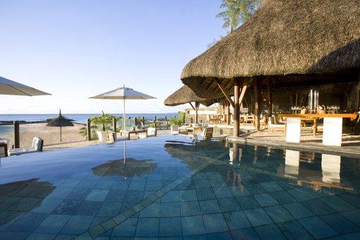 Mauritius-beach-hotel-holiday-the-beautiful-life