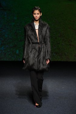 paris-fashion-week-ready-to wear-bernard-chandran-fur