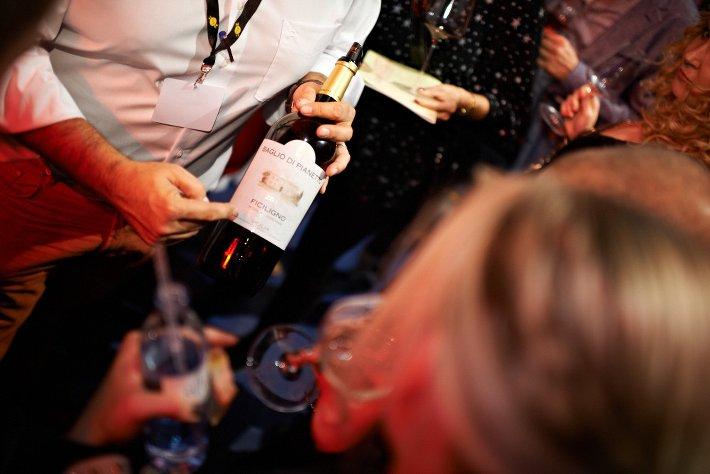 Winzerkunst trifft auf Party bei den Winevibes in München